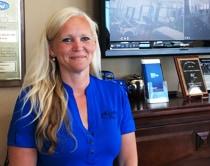 Vanessa Brouwer : Service Advisor